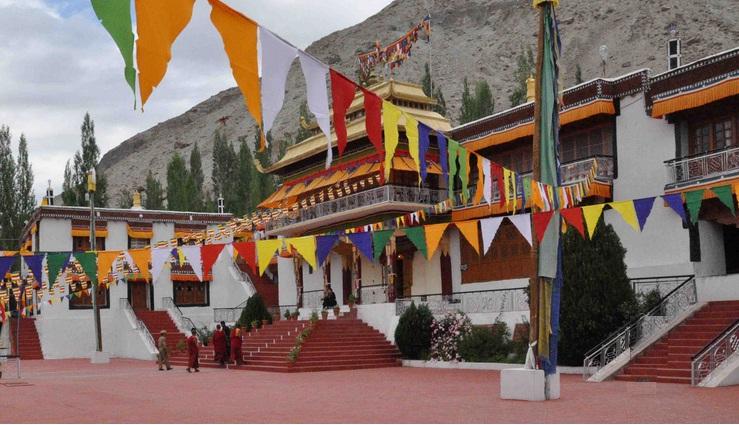Samtaling monastery in Sumur village